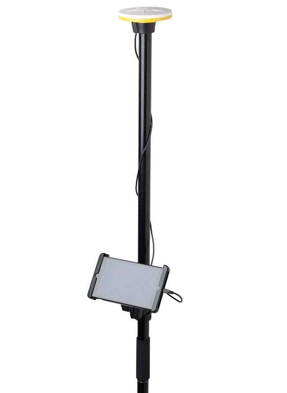 trimble catalyst da1 antenna_studio_on pole_tablet_cropped_71966